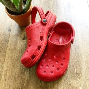 RED CROCS CLOGS ♥️